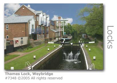 THAMES LOCK WEYBRIDGE